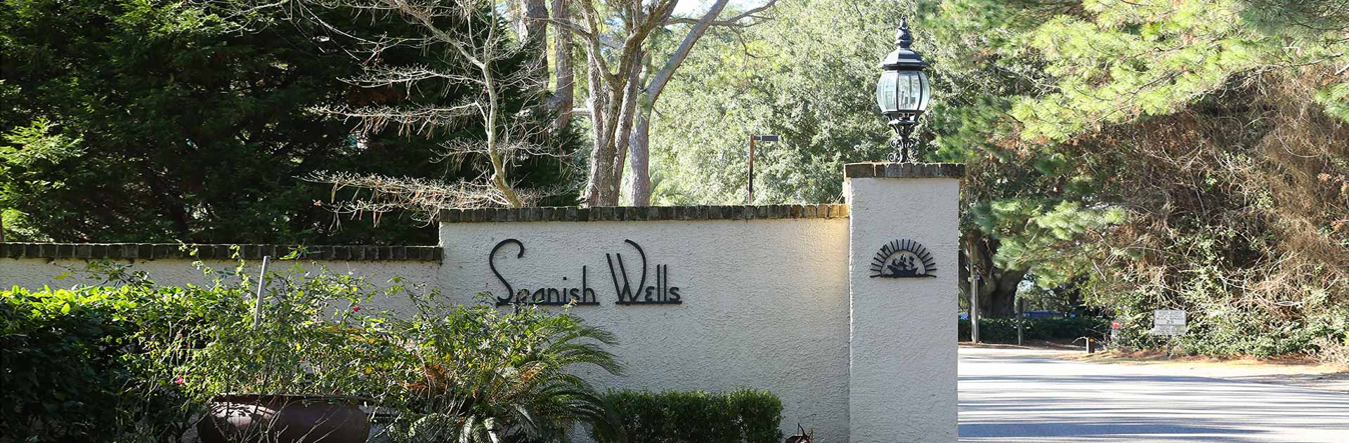 Spanish Wells Hilton Head Community Sign
